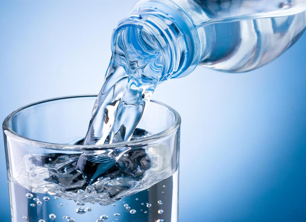 Many people use bottled soda water an an alternative to drinking sugary soft drinks.