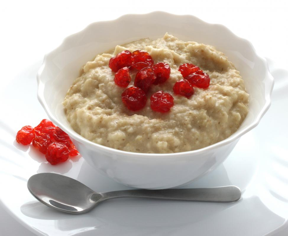 Bowl of cooked oatmeal.