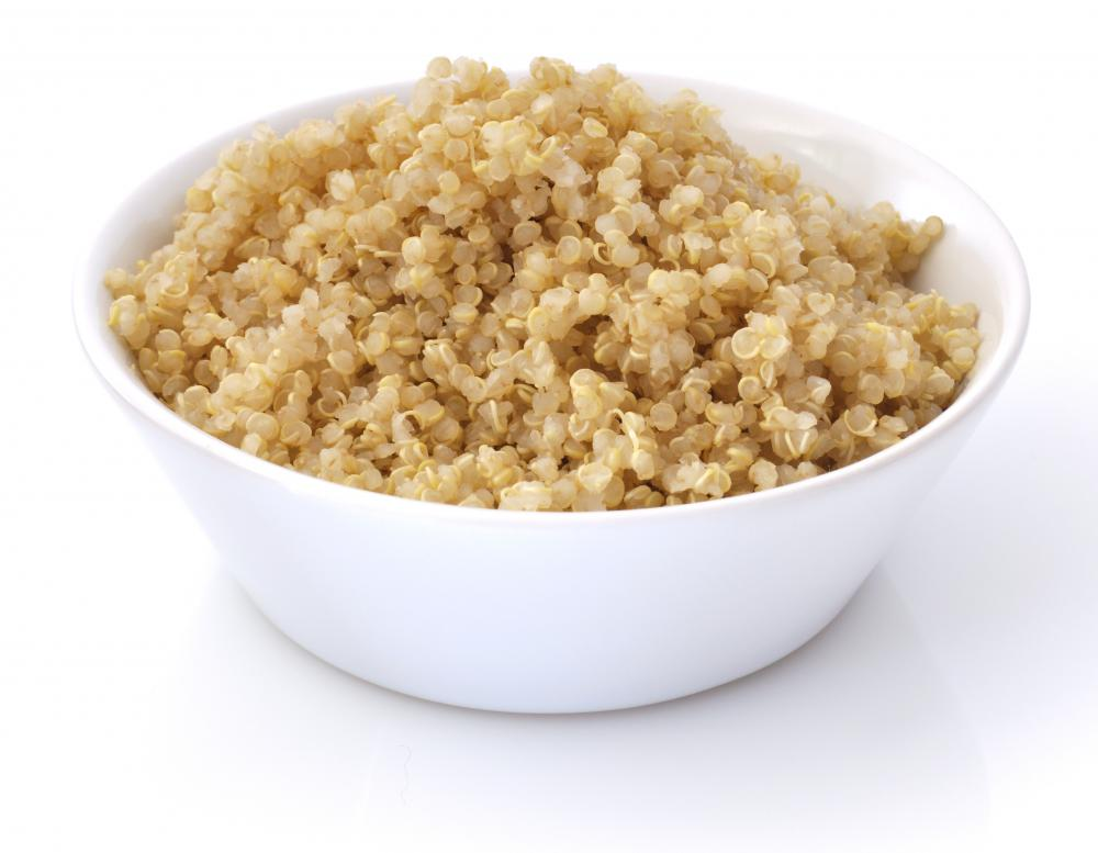 Bowl of cooked quinoa.
