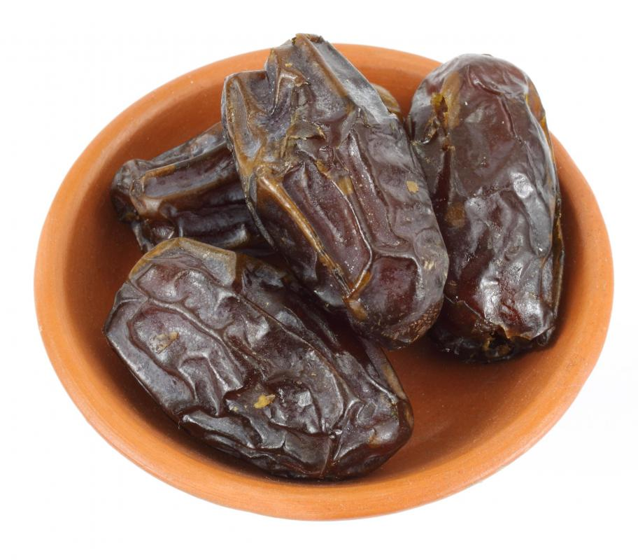 A bowl of medjool dates.