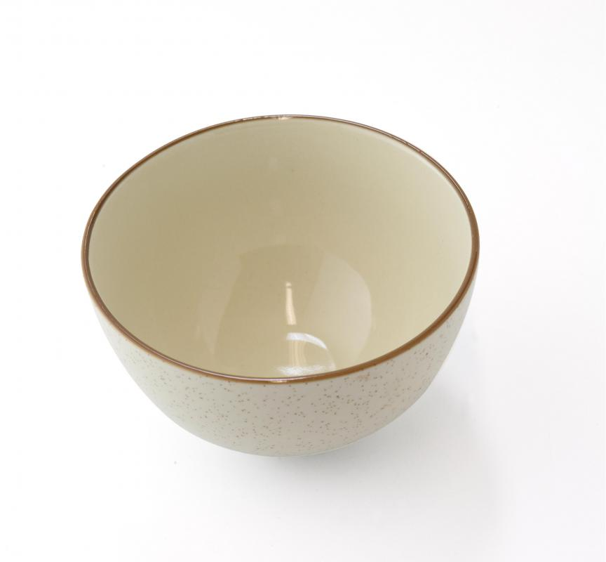 Ceramic bowls are considered non-reactive.
