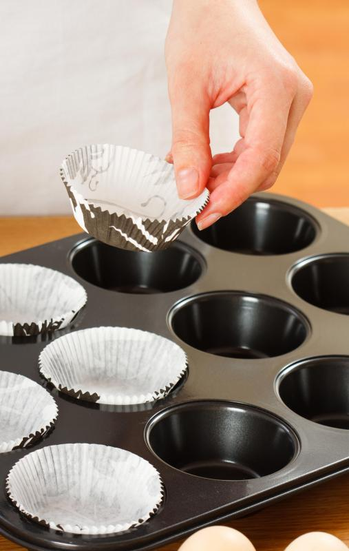 It is easier to remove cupcakes if the pan they've been baked in has been lined with wrappers.