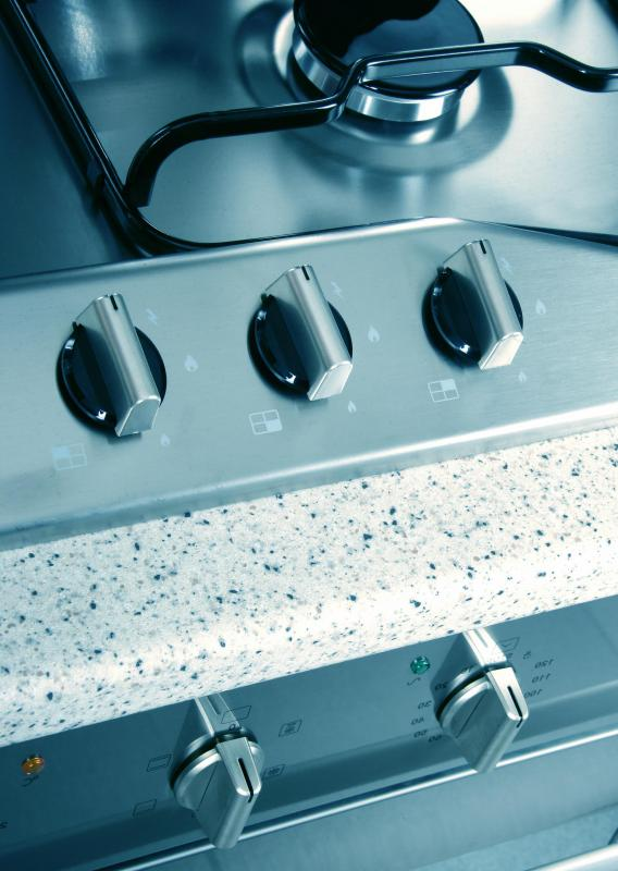 It may be easier to control the cooking temperature of chicken with a gas burner.