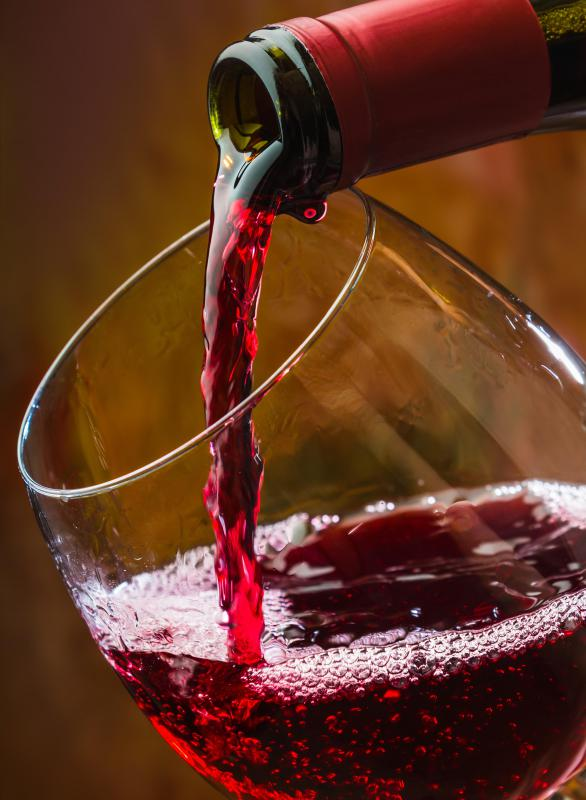 Full-bodied red wines are darker and more intense in flavor, while medium-bodied wines are lighter in color and flavor.