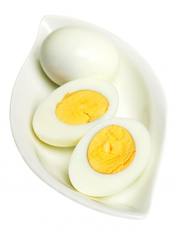 Hard boiled eggs, which can be used to top pancit.