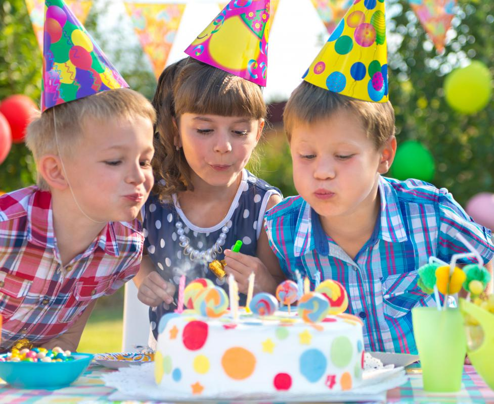 Particularly at birthday parties, children often like cake that is heavily frosted and decorated.