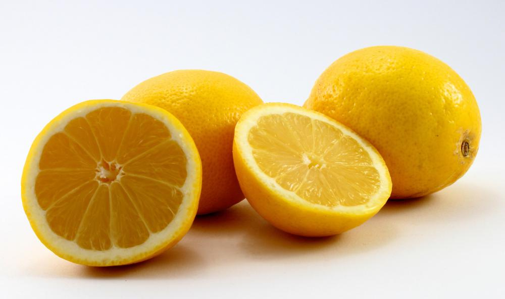 Lemons, which can be used to make a reduction sauce.