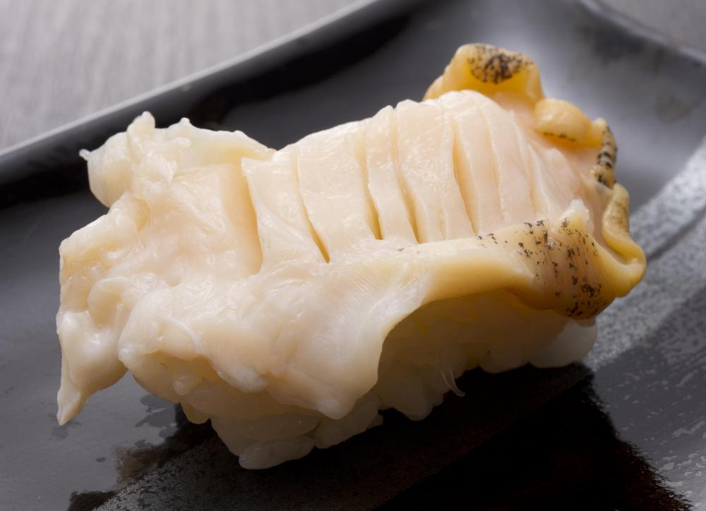 Abalone meat can be used in sashimi.
