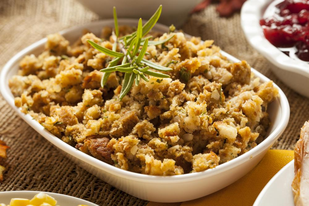 Various ingredients including celery, bacon, sausage, oysters, and apples can be used in stuffing.