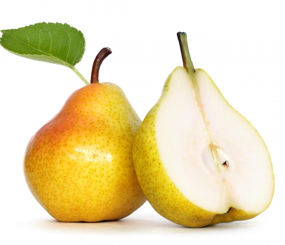 Pears are often diced for use in pan de pascua.