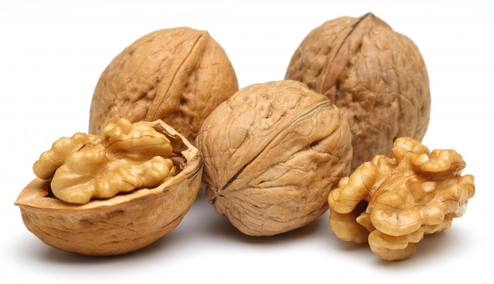 Chopped walnuts are often added to speculoos for texture.