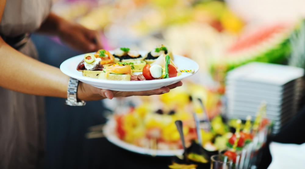 Some buffets offer healthy choices, including fresh fruit and a large array of salad ingredients.